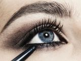 Drawing Eyes Eyeliner 10 Easy Tricks to Applying Pencil Eyeliner