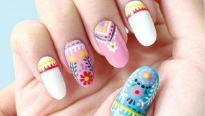 Drawing Flowers On Nails Embroidery Inspired Floral Nail Art Floral Nails Pinterest
