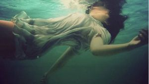 Drowning Girl Location I Suffocate and Right before I M About to Drown He Resuscitates Me