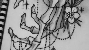 Easy Skeleton Hand Drawing Skeleton Hand Tattoo Mehr Drawingsi A Skeleton Hand